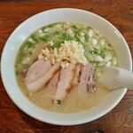 河内の味 ニンニクラーメン 仁 - 料理写真:ラーメン(850円)