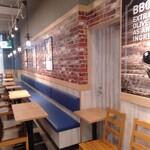bb.qオリーブチキンカフェ - 店内