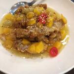 香蘭 - 鶏唐揚げレモンソース。缶詰がレトロで可愛い。