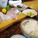 魚処にしけん - 刺身定食:1,660円