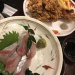 海鮮居酒屋 三ノ宮産直市場 - シマアジ 唐揚げ