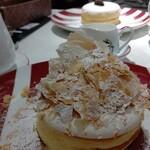 カフェ ラ・ポーズ - ミルフィーユパンケーキ
