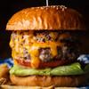 SUNDAY - 料理写真:単品1ハンバーガーお肉をガツンと味わうなら「ダブルチーズバーガー」