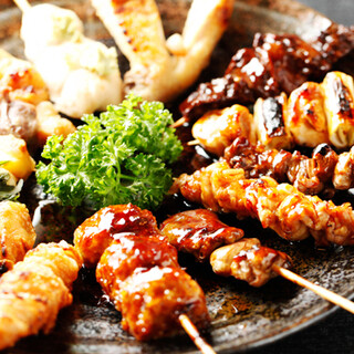 京都の鶏を使用した串焼きのほか、地物野菜の一品も自慢