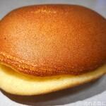 榮太楼 - 料理写真:なまどら焼(ラムレーズン)