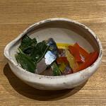 温石 - 料理写真:鯖、モロヘイヤ、ジャコの付き出し