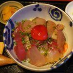 めしの助 - 海鮮丼 大1600円。めしの助(名古屋市) 食彩品館.jp撮影