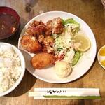ひらき - コンビネーション定食(鶏のから揚げ3個&カニクリームコロッケ2個)¥1,200