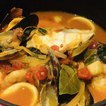 ビストロ キャトルズ - 大海老とたっぷり魚介のペスカトーレ