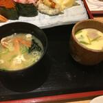 寿司 魚がし日本一 - お椀に茶碗蒸し