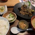 三原豆腐店 - まぼろしの厚揚げ 肉みそあんかけ定食