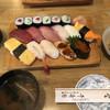 千寿司 - 料理写真:寿司、うめえなあ(沁)味噌汁と煮付けも付きます。