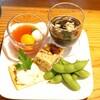 米蔵ココロ - 料理写真:今日のおつまみプレート  もずく酢、トマトとオレンジのジュースとモッツレラチーズ、ポテトサラダとクラッカー、枝豆