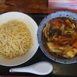 凛 - 特製凛つけ麺 960円(税込)