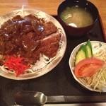 茶茶丸 - 料理写真:これがハヤシカツ丼¥850だー!!!