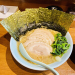 らーめん 晴れる家 - 料理写真:チャーシュー麺