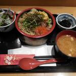 どん薩摩 - 茶ぶり入り海鮮ちらし丼定食