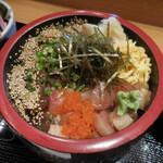 どん薩摩 - 茶ぶり入り海鮮ちらし丼