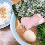 横浜ラーメン 武蔵家  - 料理写真:ラーメン並&ライス中