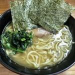 巓 - 料理写真:中盛ラーメン820円