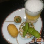 日本料理 まめぞう - ビールのような梅酒ゼリー、たこ焼きのようなユリ根揚げ、ナッツ入りアメリカンドッグ、枝豆