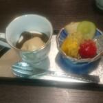 日本料理 まめぞう - ミルクプリン、ほうじ茶ソース、黒糖アイス、フルーツ