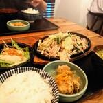 餃子酒家 照井 - 野菜炒めのセット