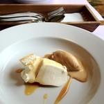 レストラン・ワタベ - パンナコッタとキャラメルアイスクリーム