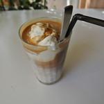 CAFERISTA - オーストラリアンアイスコーヒー オーストラリアではアイスコーヒー注文でアイスクリームついてきてしまいます!  600円