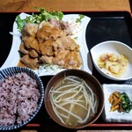 ごん蔵 - 生姜焼き定食 1000円