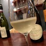 シャンパン&ワインスタンド キャトル - シャトノワ メヌトゥサロン ソーヴィニヨンブラン