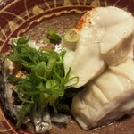 京屋 - 鯛の白子の炙りと皮の湯引き