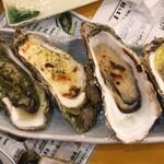 復興居酒屋がんばっぺし - アラカルトの焼き牡蠣5種盛り