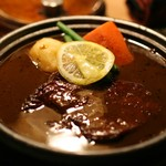 アルペンジロー - 和牛ヒレステーキカレー(120g、辛さ天国)