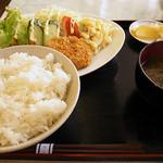 ぺぴーの - ハンバーグ・メンチ定食