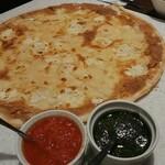 フォカッチェリア ラ ブリアンツァ - 極薄ピザです