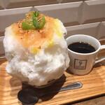 134167424 - 桃とミルクとオリーブオイル、シャインマスカットのマリネ添え、コーヒーセット1300円