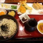 うどん本陣 山田家 東京スカイツリータウン・ソラマチ店 - 釜ぶっかけ定食 ¥1260 +黄卵¥50