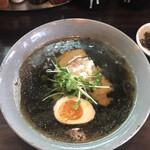 らーめん屋 たつし - 料理写真:千名そば620円! 麺竹炭バージョン!