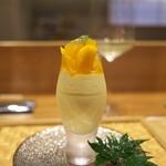 祇園 にし - 今が旬、宮崎マンゴーのムース。