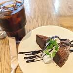 エイトデイズ - 【2020/8】ガトーショコラ&アイスコーヒー