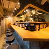 京都ラーメン 森井 - 内観写真:店内(カウンター席9席、テーブル席1席)