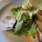 TRATTORIA Ca del TOMO - ランチ前菜 スモークサーモン、ポテトサラダ、野菜のフリッタータ、ニクのテリーヌ