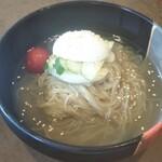 ヘウンデ - 料理写真:冷麺