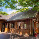 レストラン ラ・フォンテーヌ - 春〜夏の外観