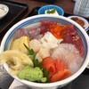 まるたか - 料理写真:海鮮丼。ご飯が見えません!