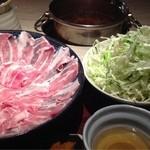 武蔵 - もち豚しゃぶしゃぶランチ 野菜がたっぷり 2013.4撮影