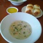 セッテマーレ - まろやか 春キャベツとベーコンのスープ パンももっちもち