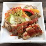ソルナダ - ジャークチキン丼