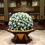 134256366 - ホテル ロビーのお花